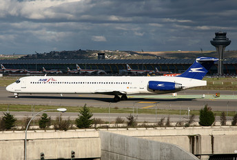 EC-JOI - Air Plus Comet McDonnell Douglas MD-88