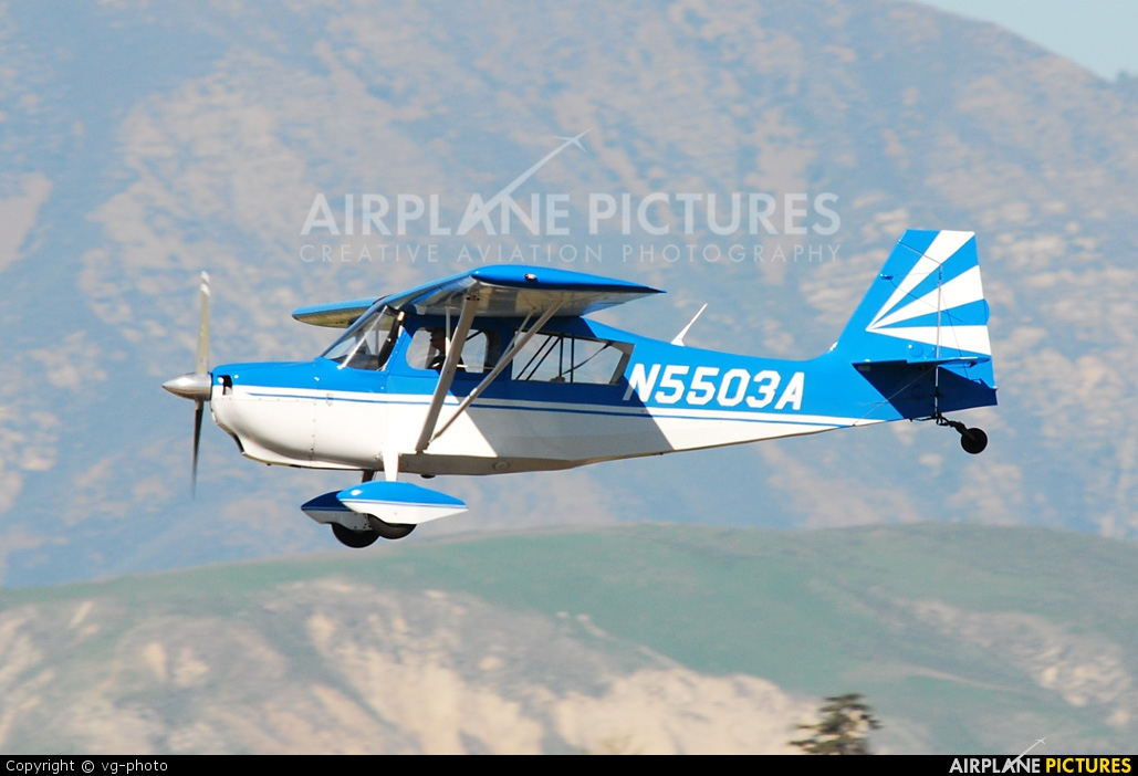 Private N5503A aircraft at Camarillo