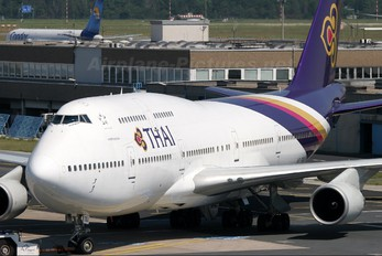 HS-TGJ - Thai Airways Boeing 747-400