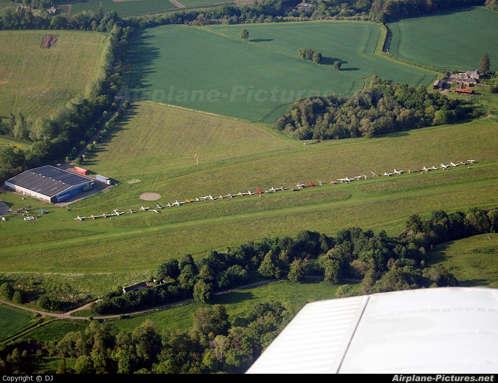 - Airport Overview - aircraft at Strathallan