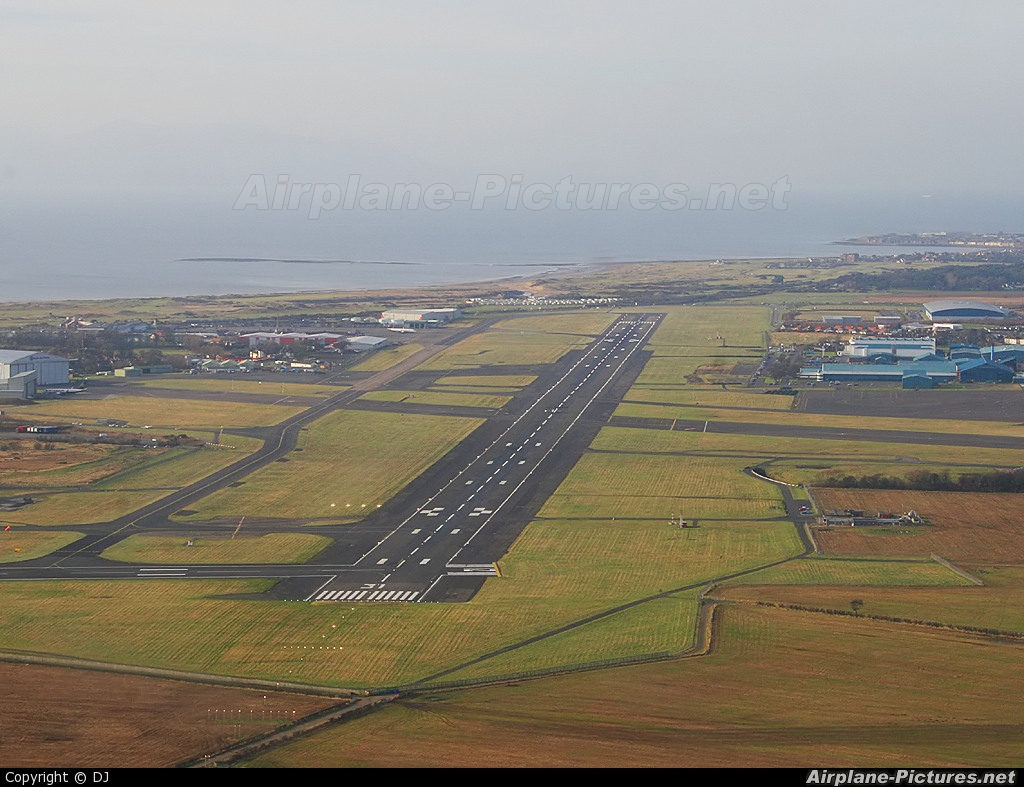 - Airport Overview - aircraft at Prestwick