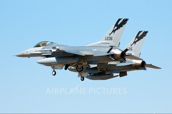 86-0236 - USA - Air Force General Dynamics F-16C Fighting Falcon