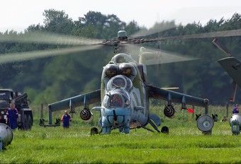 584 - Poland - Army Mil Mi-24D