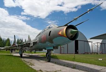 304 - Poland - Air Force Sukhoi Su-22UM-3K
