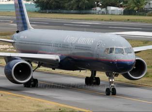 N573UA - United Airlines Boeing 757-200
