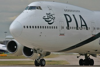 AP-BAK - PIA - Pakistan International Airlines Boeing 747-200