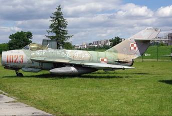1023 - Poland - Air Force PZL Lim-5