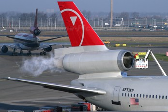 N232NW - Northwest Airlines McDonnell Douglas DC-10