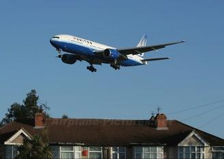 N795UA - United Airlines Boeing 777-200ER