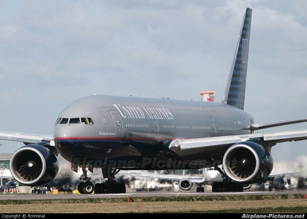 United Airlines N787UA aircraft at London - Heathrow