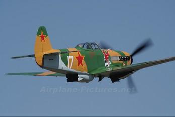 VH-YXI - Private Yakovlev Yak-9