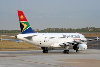 ZS-SFK - South African Airways Airbus A319