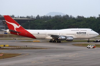 VH-EBY - QANTAS Boeing 747-300