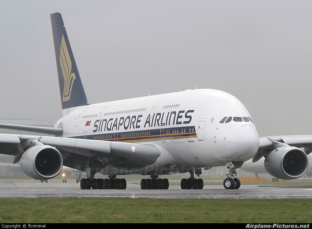 Singapore Airlines 9V-SKB aircraft at London - Heathrow