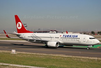 TC-JGM - Turkish Airlines Boeing 737-800