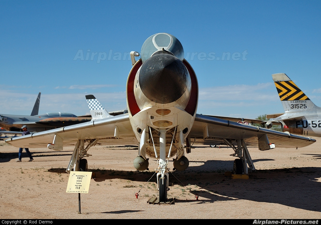 USA - Navy 143492 aircraft at Tucson - Pima Air & Space Museum
