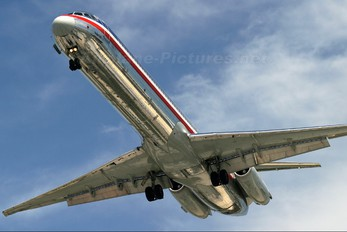 N456AA - American Airlines McDonnell Douglas MD-82