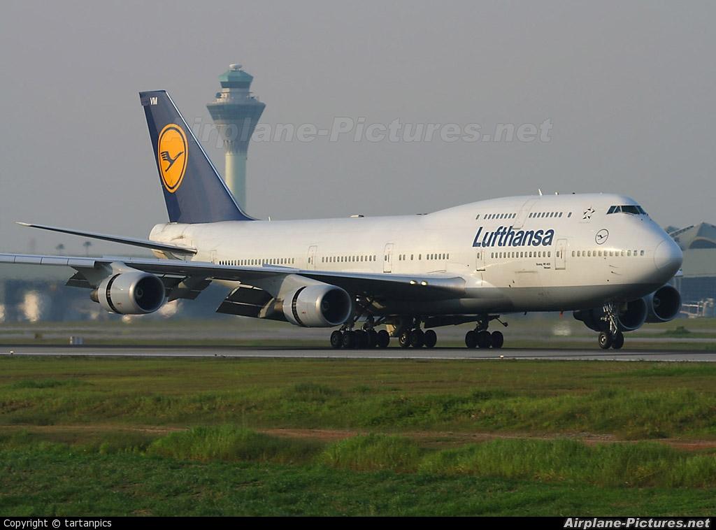 Lufthansa D-ABVM aircraft at Kuala Lumpur Intl