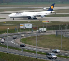 D-AIGR - Lufthansa Airbus A340-300