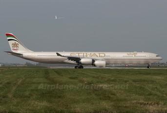A6-EHH - Etihad Airways Airbus A340-600