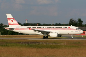 TC-JLC - Turkish Airlines Airbus A320