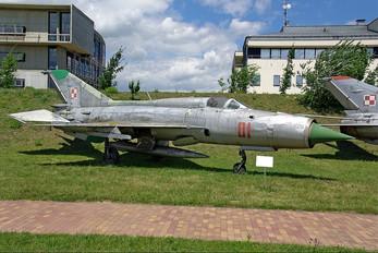 01 - Poland - Air Force Mikoyan-Gurevich MiG-21PFM
