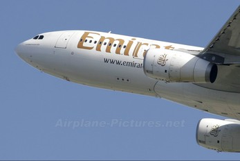 A6-EAM - Emirates Airlines Airbus A330-200