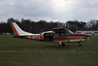 G-AYTJ - Private Cessna 207 Skywagon