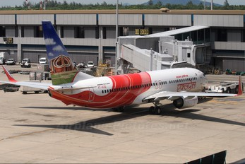 VT-AXQ - Air India Express Boeing 737-800