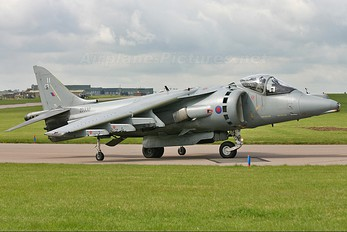 ZD330 - Royal Air Force British Aerospace Harrier GR.7