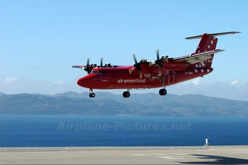 OY-GRD - Air Greenland de Havilland Canada DHC-7-100 series