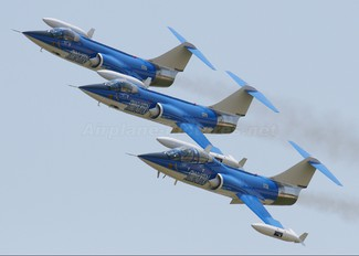 N104RB - Starfighters Demo Team Canadair CF-104 Starfighter