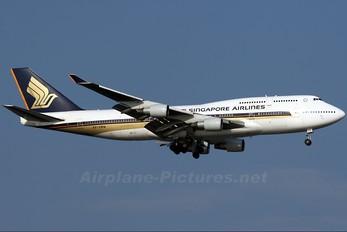 9V-SMW - Singapore Airlines Boeing 747-400