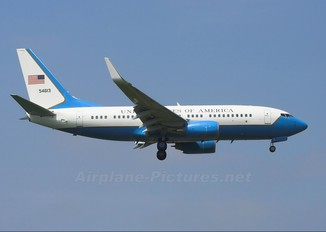 05-4613 - USA - Air Force Boeing C-40C