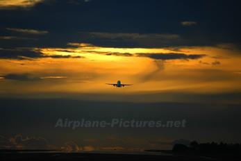 - - SilkAir Airbus A319
