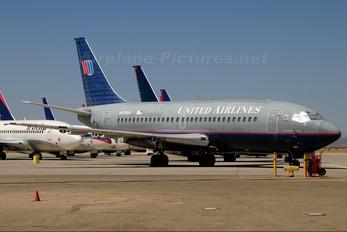 N976UA - United Airlines Boeing 737-200