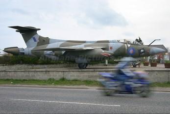 XW530 - Royal Air Force Blackburn Buccaneer S.2B