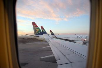 - - South African Airways Boeing 737-800