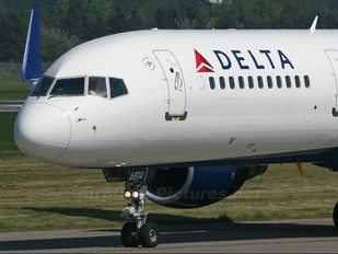 N711ZX - Delta Air Lines Boeing 757-200