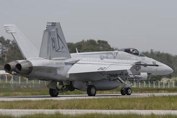 166425 - USA - Navy McDonnell Douglas F/A-18E Super Hornet