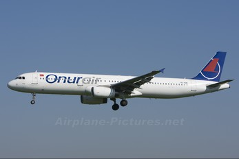 TC-TUB - Onur Air Airbus A321