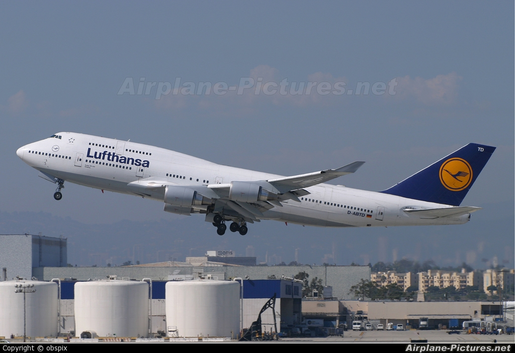 Lufthansa D-ABTD aircraft at Los Angeles Intl