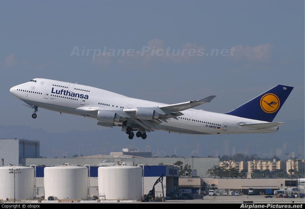 Lufthansa D-ABTD aircraft at Los Angeles Intl