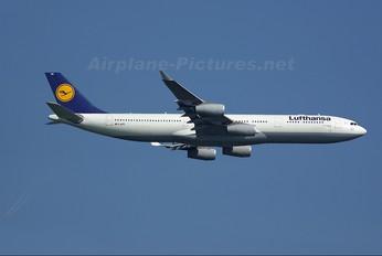 D-AIFE - Lufthansa Airbus A340-300