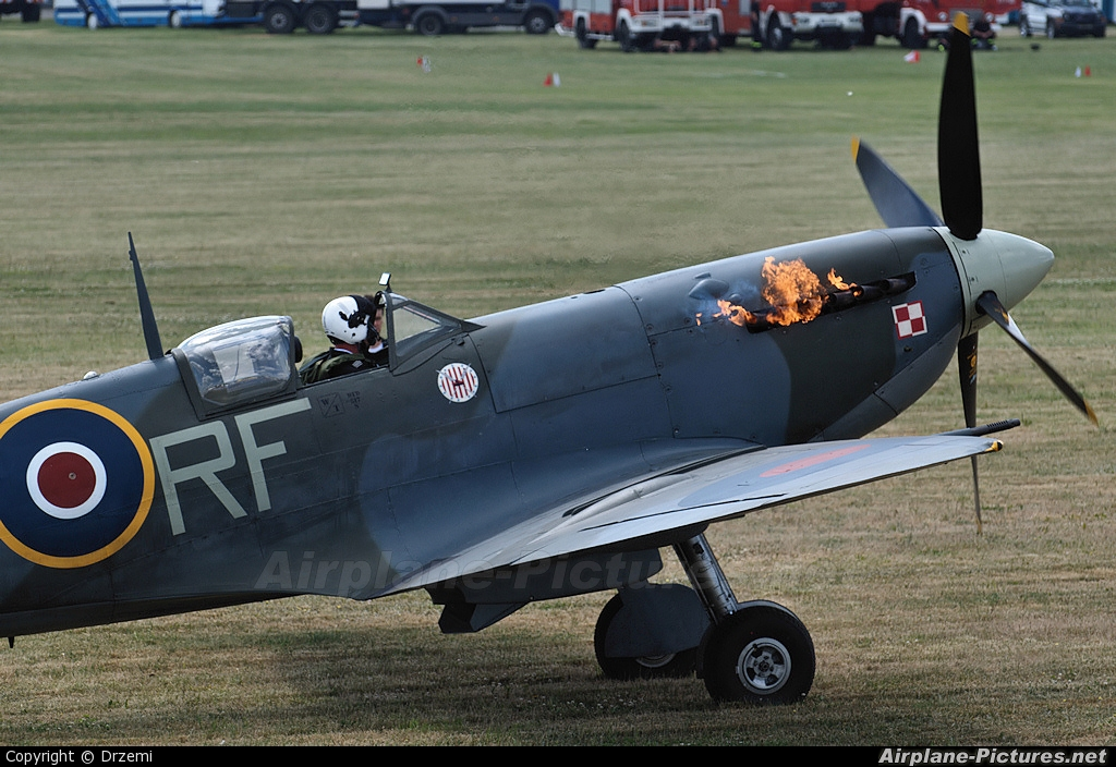 "Royal Air Force ""Battle of Britain Memorial Flight&quot AB910 aircraft at Góraszka"