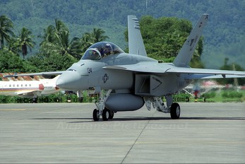 166675 - USA - Navy McDonnell Douglas F/A-18F Super Hornet