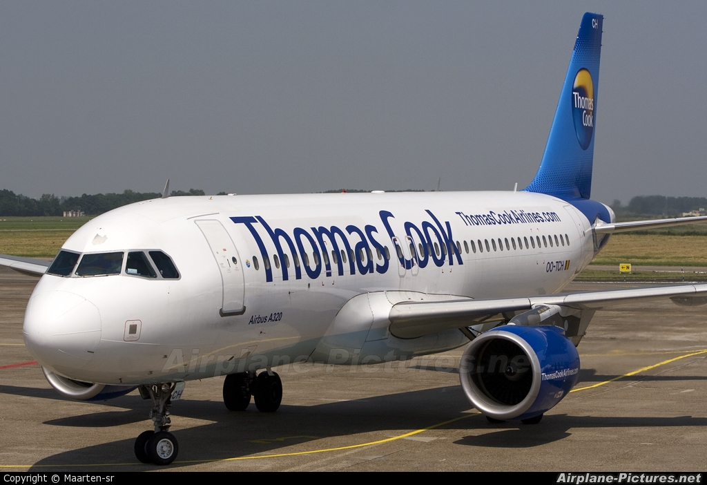 Thomas Cook Belgium OO-TCH aircraft at Rotterdam