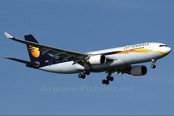 VT-JWG - Jet Airways Airbus A330-200
