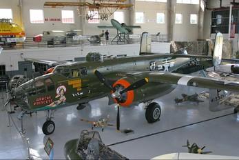 N1943J - Private North American B-25J Mitchell