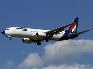 HA-LOC - Malev Boeing 737-800